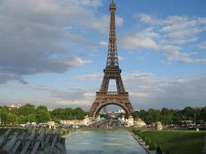 Tháp Eiffel là công trình đắt nhất châu Âu