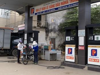 Quảng Nam xử phạt 2 doanh nghiệp vi phạm chất lượng xăng dầu