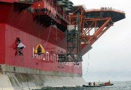 Tàu khai thác dầu ở Bắc Cực của Nga bị tấn công