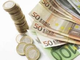 Euro duy trì thấp trước dấu hiệu khủng hoảng châu Âu lan rộng