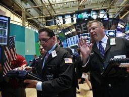 S&P 500 giảm nhẹ sau dữ liệu niềm tin tiêu dùng
