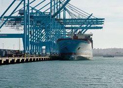 """Thương mại châu Á đối mặt với """"thập kỷ mất mát"""""""