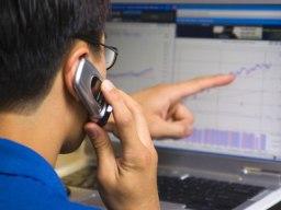 EIB tăng trần, VN-Index lên trên 395 điểm