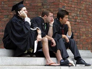 Nợ sinh viên Mỹ tăng gần 4 lần trong thập kỷ qua