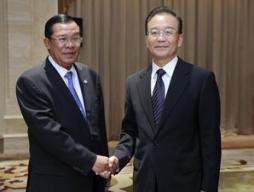 Trung Quốc-Campuchia tăng cường quan hệ song phương
