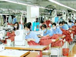 Hugaco lùi kế hoạch mở rộng sản xuất nhà máy Gunyong sang năm 2013