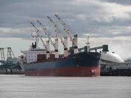 Một nửa số doanh nghiệp vận tải biển niêm yết báo lỗ trong quý II/2012