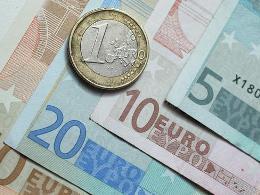 Eurozone tăng trưởng âm trong quý II
