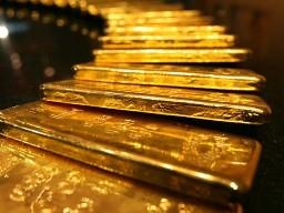Vàng thế giới bất ngờ tăng lên 1.740 USD/oz
