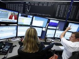 Chứng khoán toàn cầu lên cao nhất 5 tháng nhờ tín hiệu tích cực từ châu Âu