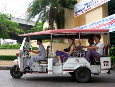 Nên dừng đề xuất lưu hành xe tuk – tuk