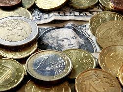 USD tiếp tục giảm với euro trước dự báo QE3