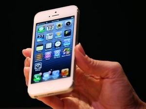 Lô hàng iPhone 5 đầu tiên của Apple bán hết trong 1 giờ