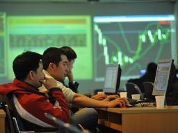 VN-Index tăng phiên thứ 4, lên sát 402 điểm