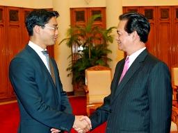 Thủ tướng Nguyễn Tấn Dũng tiếp Bộ trưởng Kinh tế và Công nghệ Đức