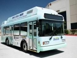 Việt Nam lần đầu tiên sản xuất xe buýt sạch