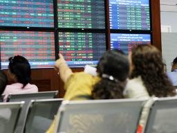 Cổ phiếu Sacombank mất giá trần, VN-Index lùi về tham chiếu