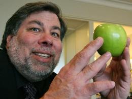 Nhà đồng sáng lập Apple muốn từ bỏ quốc tịch Mỹ
