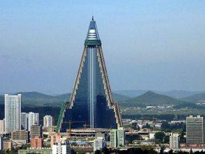 Cận cảnh khách sạn đồ sộ nhất Triều Tiên