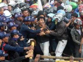 Indonesia rúng động do đình công của 2 triệu công nhân