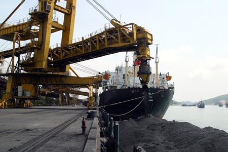 Xây dựng cảng than cho các trung tâm điện lực phía Nam