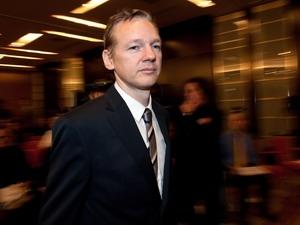Nhà sáng lập WikiLeaks sẽ kiện thủ tướng Australia
