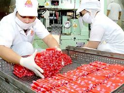 Lượng hàng chuẩn bị tết tại TPHCM tăng 24%