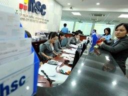 2 nhân viên HSC cho khách hàng bán khống, bị phạt 170 triệu đồng