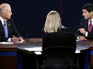 Hai ứng viên phó tổng thống Mỹ bắt đầu tranh luận