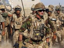 Anh rút hàng nghìn binh sĩ khỏi Afghanistan vào năm 2013