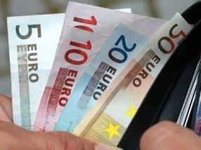 Thặng dư thương mại eurozone tháng 8 cao kỷ lục