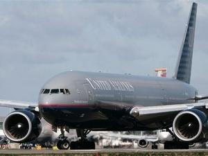 Một máy bay của United Airlines tại Mỹ bị dọa đánh bom