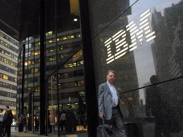 Cổ phiếu IBM rớt giá do báo cáo lợi nhuận yếu kém