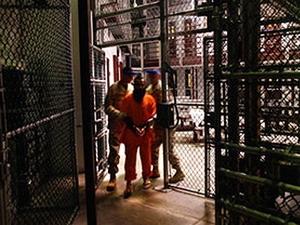 WikiLeaks tiết lộ tài liệu về các nhà tù bí mật của Mỹ