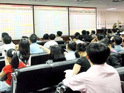 ITA và KBC cùng tăng trần sau tin ông Đặng Thành Tâm trở lại họp Quốc hội