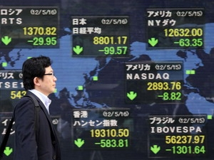Chứng khoán châu Á giảm khi cổ phiếu Panasonic lao dốc