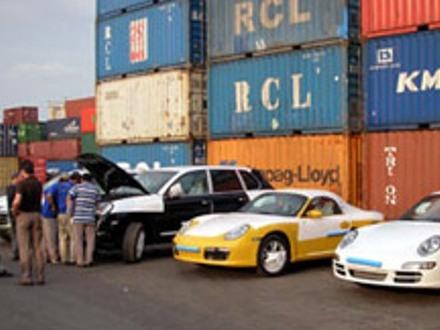 Nhập khẩu nhóm hàng cần kiểm soát và hạn chế tiếp tục sụt giảm