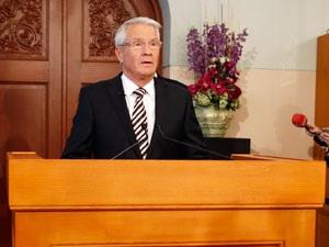 Ủy ban hòa bình phản đối trao giải Nobel cho EU