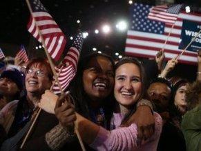 Chùm ảnh người Mỹ khóc, cười sau chiến thắng của ông Obama