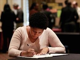 Số đơn xin trợ cấp thất nghiệp Mỹ tuần qua giảm do bão Sandy