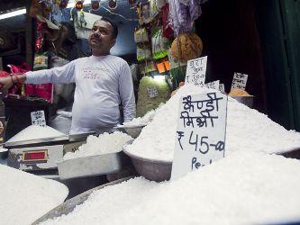 Đường thế giới thặng dư nhiều hơn do sản lượng Ấn Độ tăng