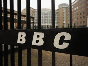 Cáo buộc nhầm chính trị gia cao cấp lạm dụng tình dục, BBC lại rúng động với scandal