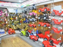 PET mở rộng sang kinh doanh đồ chơi trẻ em