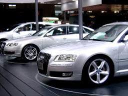 TPHCM kiến nghị tăng phí đăng ký ôtô lên 10 lần