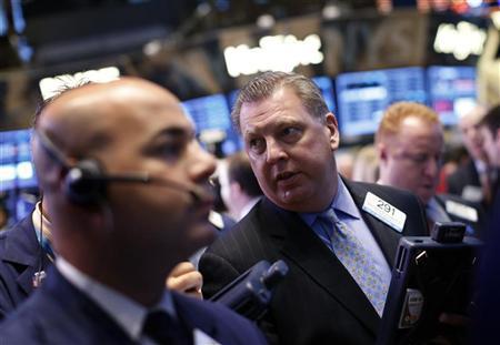 """S&P 500 giảm do lo ngại """"bờ vực tài khóa"""" bao trùm"""