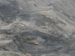 Khu vực cấm vẫn được cấp phép khai thác khoáng sản