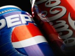 Coca-Cola và PepsiCo: Lỗ vẫn mở rộng đầu tư