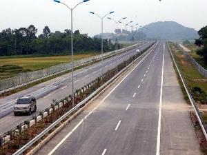 Cao tốc Cầu Giẽ - Ninh Bình bị lún nứt do dỡ tải sớm