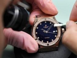 Đồng hồ Thụy Sĩ đang chạy theo thị hiếu Trung Quốc