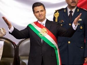 Tổng thống Mexico tuyên thệ, hàng nghìn người biểu tình